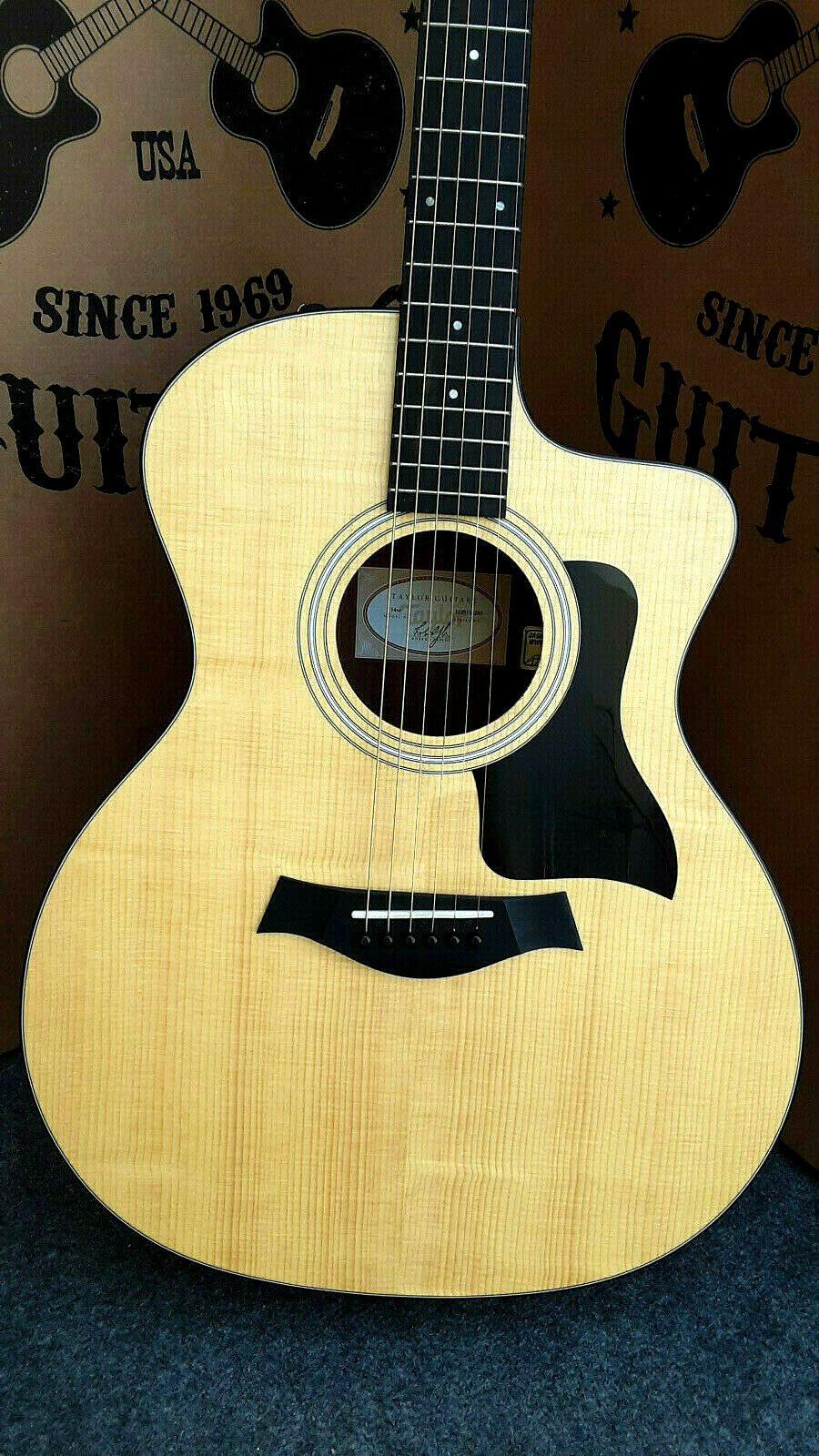 Taylor 114CE Acoustic Electric Guitar,  Easy Play  made, rare collection   6285