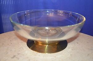 Clear-Large-Glass-Fruit-Bowl-With-Star-Design-in-Middle-and-Metal-Base