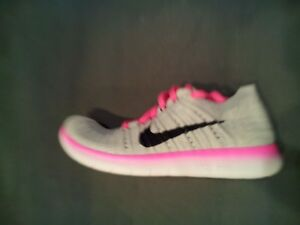 best service bbb7f 7faa4 Details about Nike Free Run Flyknit Running Shoes Youth Wolf Grey Pink  (834363-106) SZ-4Y