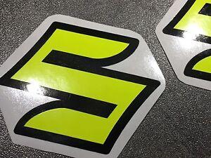 Details Zu Aufkleber Set 2 Teilig Suzuki Gsxr Gsx R 600 750 1000 Emblem Schwarz Neongelb