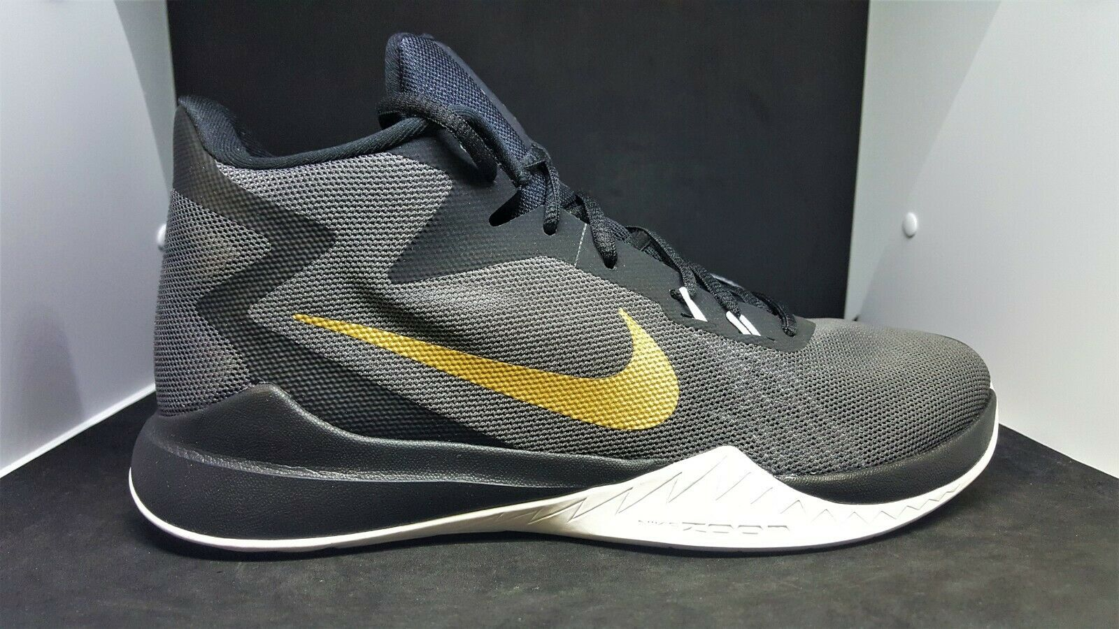Nike Zoom Evidence Mens Basketball shoes Anthracite gold  852464-005 size 8.5
