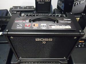 BOSS-KATANA-50-AMPLIFICATORE-per-chitarra-con-effetti-nuovo-1X12-034-50-WATT