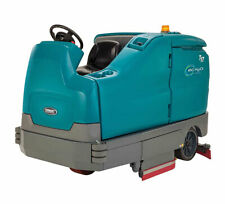 Tennant T17 Battery Powered Rider Cylindrical Scrubber