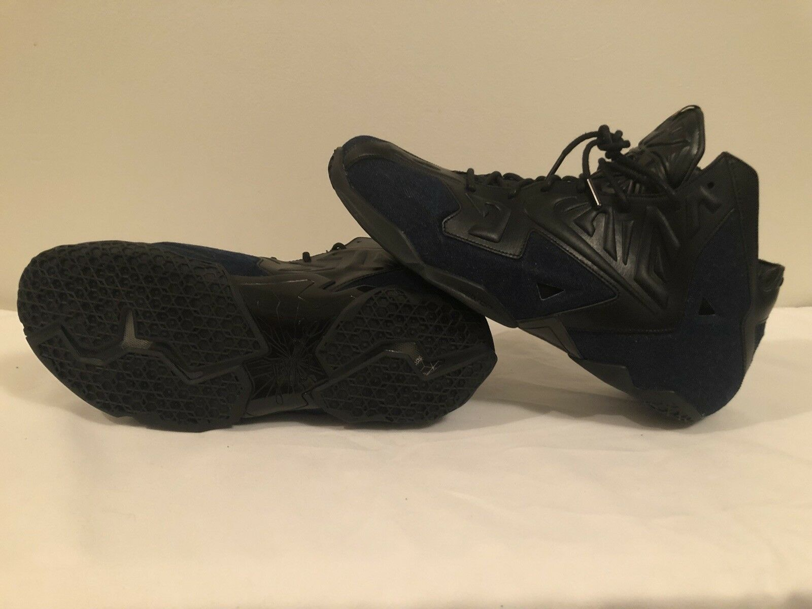 Men's Nike LeBron 11 EXT Denim QS Size 13 New & Real