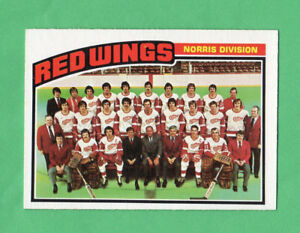 1976-77-OPC-O-PEE-CHEE-137-Red-Wings-Team-nrmnt-mt