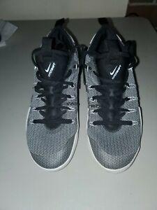 Basketball Shoes 844387-010 White