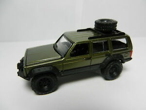 Johnny-Lightning-DARK-METALLIC-GREEN-Jeep-Cherokee-4x4-ERTL-COLLECTIBLES
