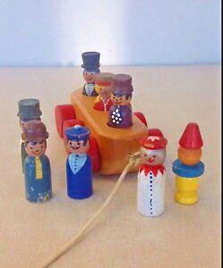 Vintage-Antik-Holz-Stange-Leute-Menge-Zug-Wagen-Figur-Puppe-Spielzeug