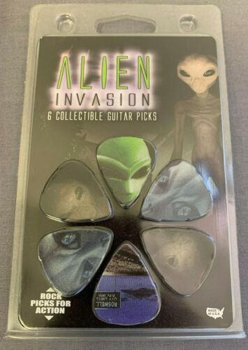 COLLECTIBLE GUITAR PICKS SET OF 6 ALIEN INVASION THEME