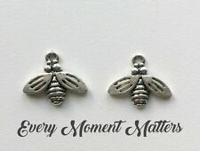 5 x Tibetan Silver HONEYBEE BEE BEES INSECT Charms Pendants Beads