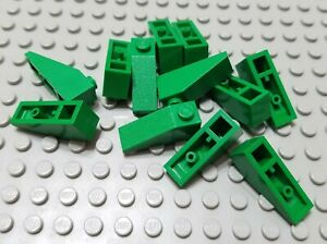 LEGO Lot of 12 Green 3x1 Slope Pieces