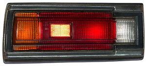 NISSAN-DATSUN-210-Lim-Heckleuchte-links-IKI-4188-Ruecklicht-Rueckleuchte-taillight