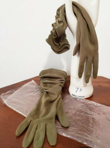 Vintage 50s 60s Olive Green Gloves - sm, med