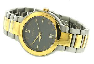 Gucci 8900 M 2-Tone Ss Cuarzo Reloj para Hombre Nuevo En Caja Con ... 4f97066cef0