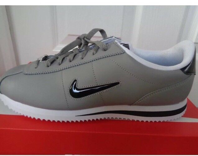 Nike Air Cortez Basic Jewell Taille 6/6.5Uk-