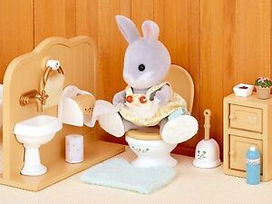 Sylvanian Families - Set de toilettes Salle de bains Complete Dolls Toy Girls Novelty