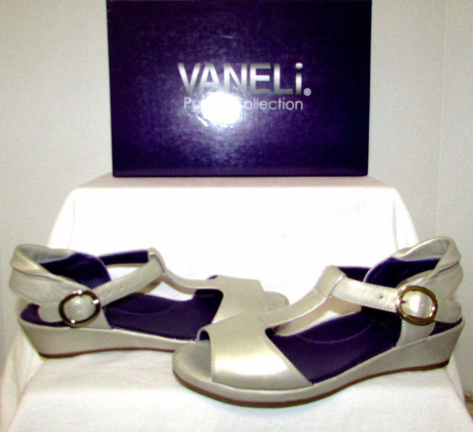 NEW VANELI DIXON PLATINO WITTY (BEIGE) METALLIC LEATHER COMFORT SANDALS SIZE 7.5