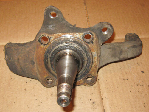 1975 76 77 78 79 80 81 82 83 Toyota Pickup Right Steering Knuckle Spindle 4x2