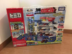TAKARA TOMY Tomica Super Auto Tomikabiru Building Car Garage Parking F//S NEW
