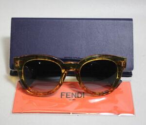 STORE-DISPLAY-Fendi-FF-0026-S-7OCJJ-Amber-Jj-Gray-Gradient-Lens-Sunglasses