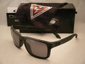 64911a85d01 Image is loading Oakley-Holbrook-Multicam-Black-w-Grey-Polar-Lens-