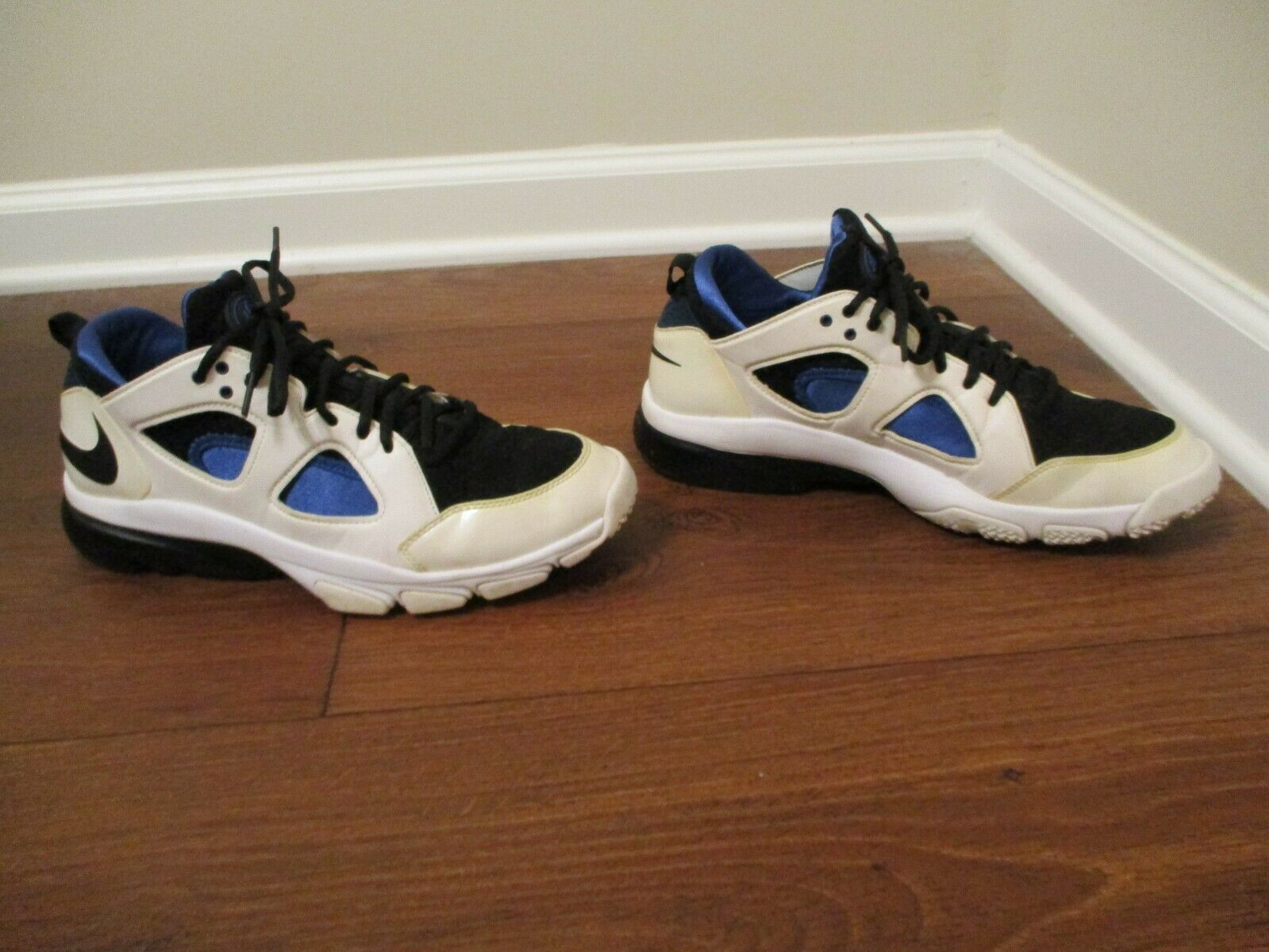 3ee194e6066 Used Worn Size 10.5 Nike Zoom Huarache Trainer Low shoes shoes shoes White  Black bluee 6ec3ff
