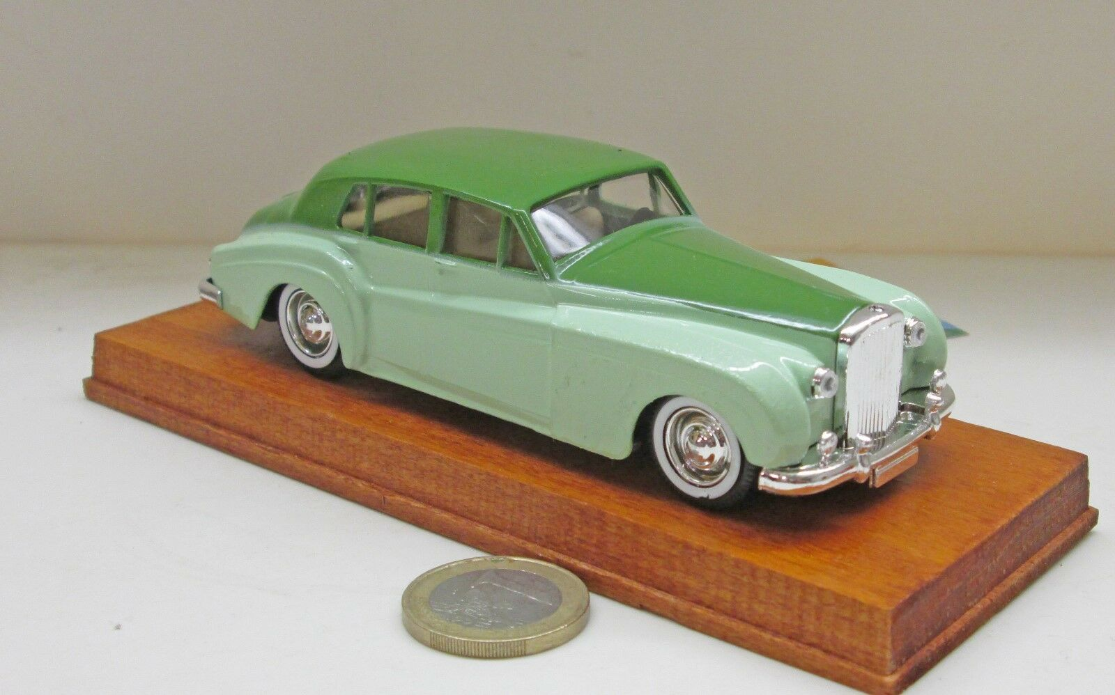 Verem 311   Bentley S,  h'green green