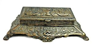 Vintage-Victorian-Cast-Brass-Metal-Footed-Stamp-Box-Coins-Hinged-3-Compartments