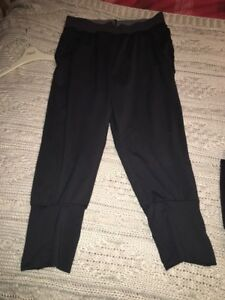 18707fcf77 Bnwot H&M Yoga Trouser Workout Black Size Small 8-10 | eBay