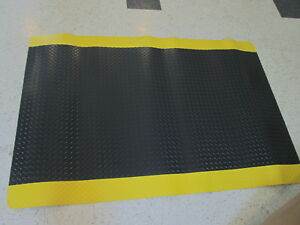 NOTRAX-Antifatigue-Mat-3-ft-W-6-ft-L-Black-with-Yellow-Border