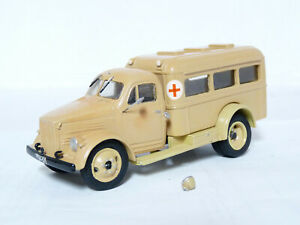 Moscow-MOCKBA-1-43-1953-PAZ-653-Russian-Ambulance-Handmade-Resin-Mode-Truckl