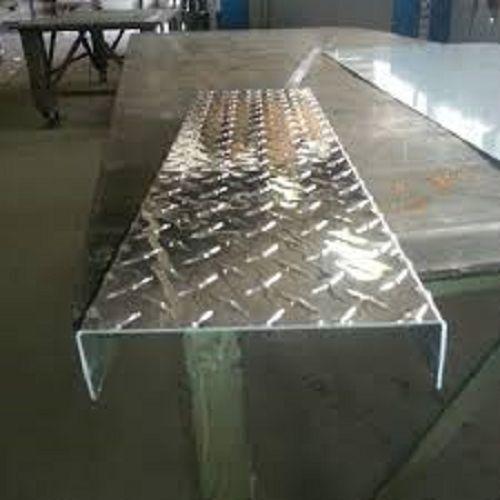 "Aluminum diamond plate channel 3/"" x 2/"" x .045/"" x 90/"""