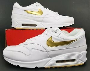 reputable site ef3ba 72ee5 Image is loading Nike-Air-Max-90-1-White-Metallic-Gold-