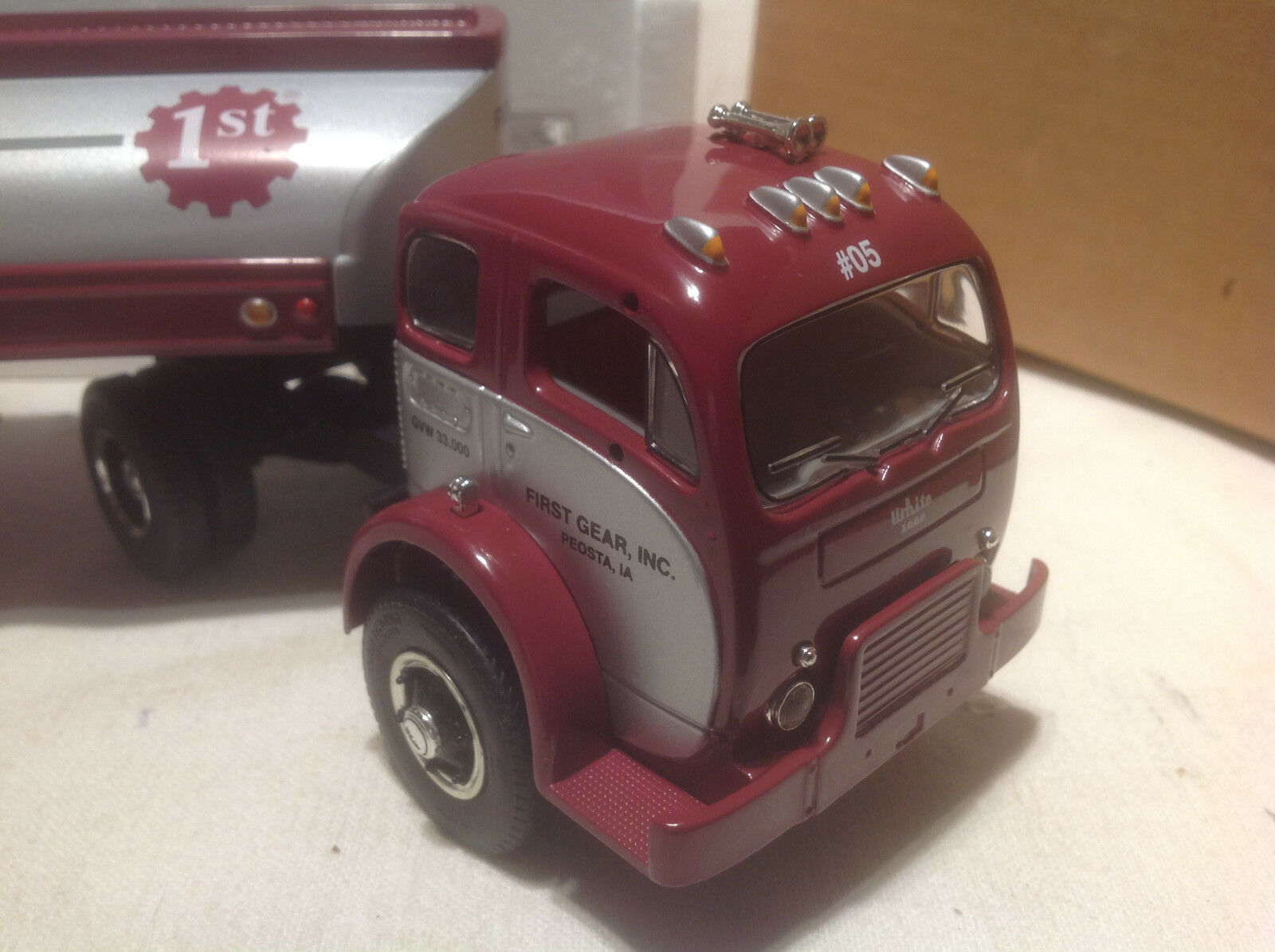 FIRST FIRST FIRST GEAR COLLECTOR CLUB WHITE 3000 TRACTOR TRAILER- 34 a52749