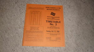 OLD-RAILWAY-TIMETABLE-BOOKLET-MILWAUKEE-ROAD-CMSP-amp-P-RAILROAD-NORTH-amp-SOUTH-1982