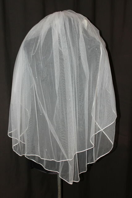 NWT Designs by Pierson white double layer scattered pearl fingertip bridal veil