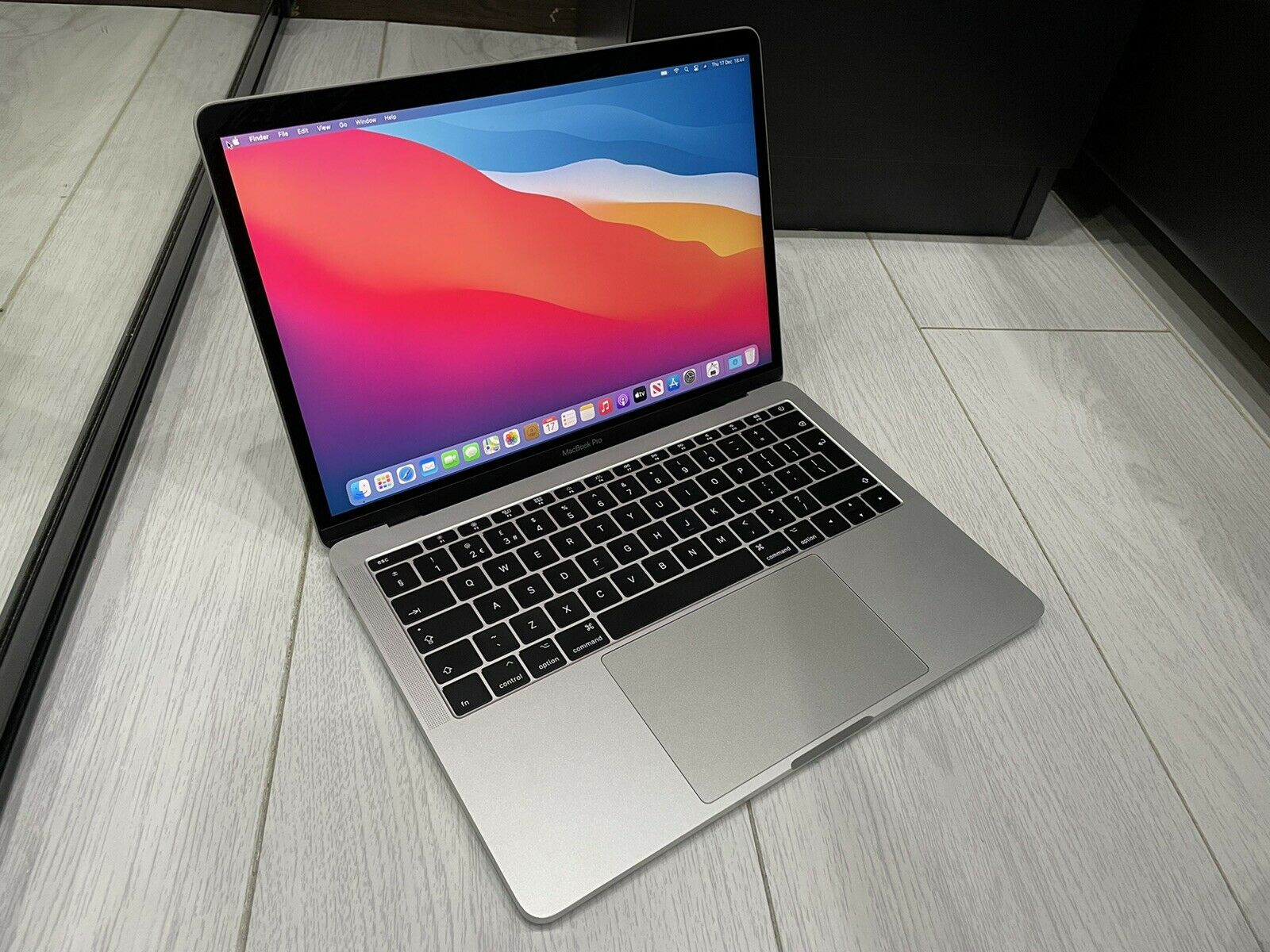 macbook: Apple MacBook Pro Retina 13.3″ 2017 256GB SSD 16GB Ram 2.3GHz Core i5 Silver