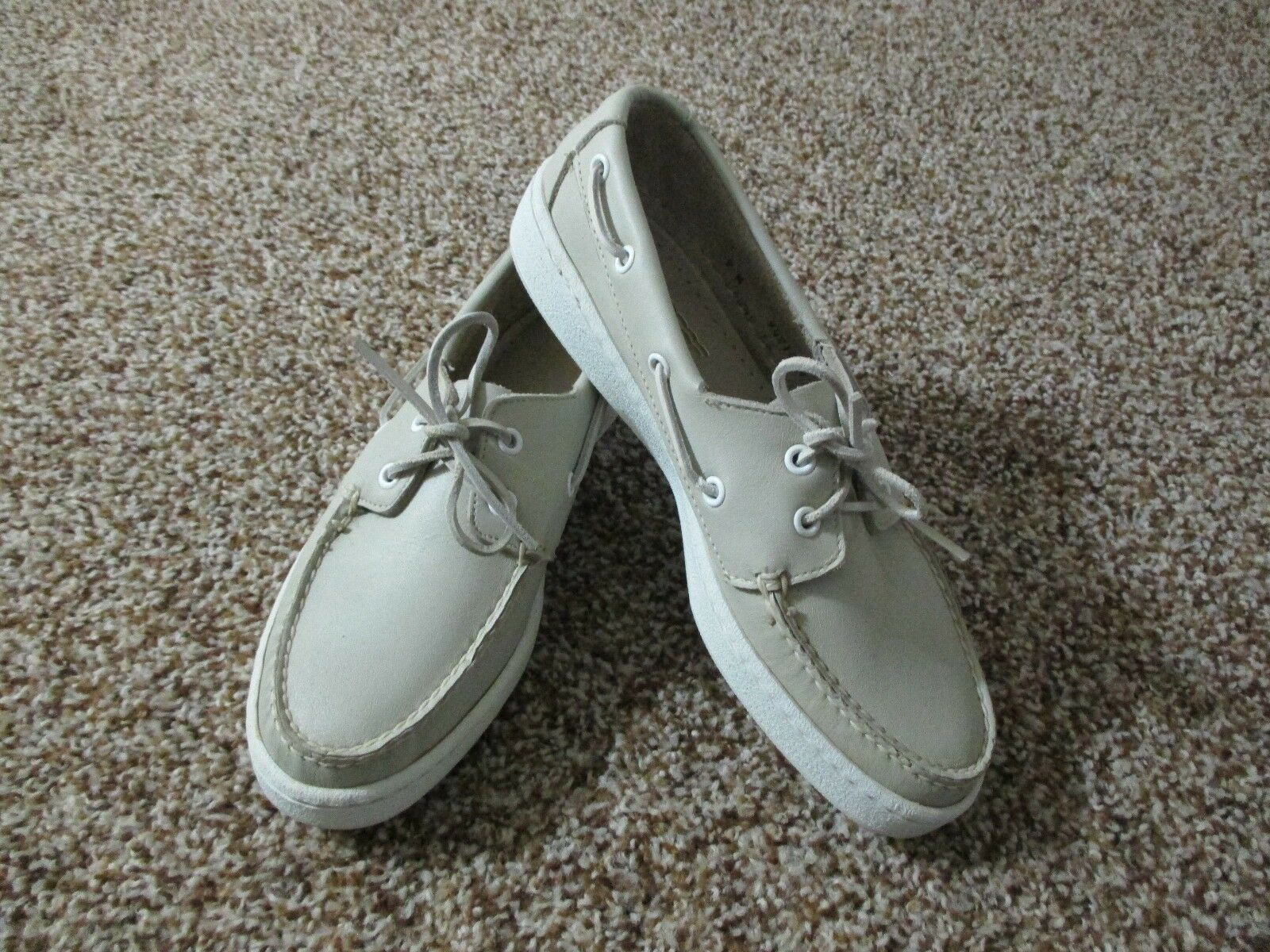 WOMENS SPERRY TOP SIDER CLASSIC LEATHER 2 EYE BOAT SHOE SZ 9 LIGHT BEIGE LEATHER
