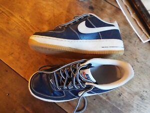 Nike Air Force 1 Low Navy White 6.5 Men 6.5 Youth 8 Women Retro Good ... 5b80e9955
