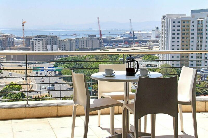 Lux 2 bed 2 bathroom furnished apt in De Waterkant perfect for short to medium term.