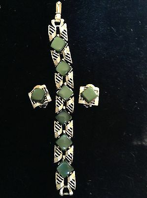 Vintage Coro Green Lucite/thermoset Earrings And Bracelet Set