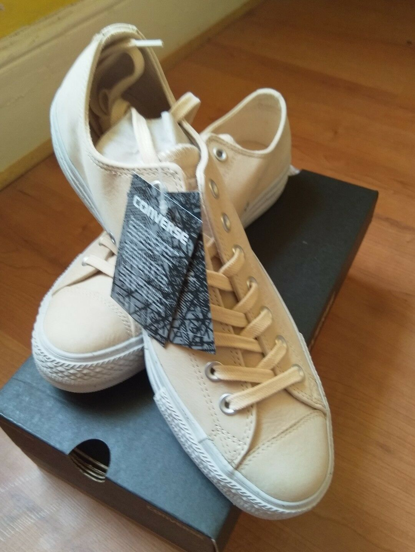 Converse Chuck Taylor All Star Leather NubuckSize 8.5 UK 42 EUBNIB