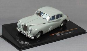 JAGUAR-MKVII-30-STIRLING-MOSS-WINNER-SILVERSTONE-TOURING-CAR-1952-IXO-RAC239