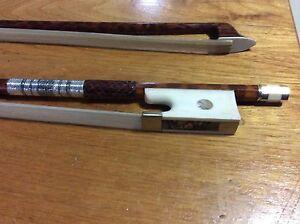 Nice violin bow 4/4 snake wood stick with bone frog
