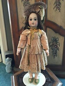 Antique-26-TETE-JUMEAU-Doll-With-Beautiful-Outfit-Including-Feathered-Bonnet