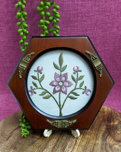 Vtg-Handmade-Embroidery-Pink-Gold-Flowers-Needlepoint-Wall-Hanging-Hexagon-Frame