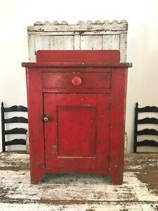 AAFA-FOLK-ART-ANTIQUE-EARLY-1800-039-S-ORIGINAL-PAINT-PRIMITIVE-RED-WOOD-CABINET