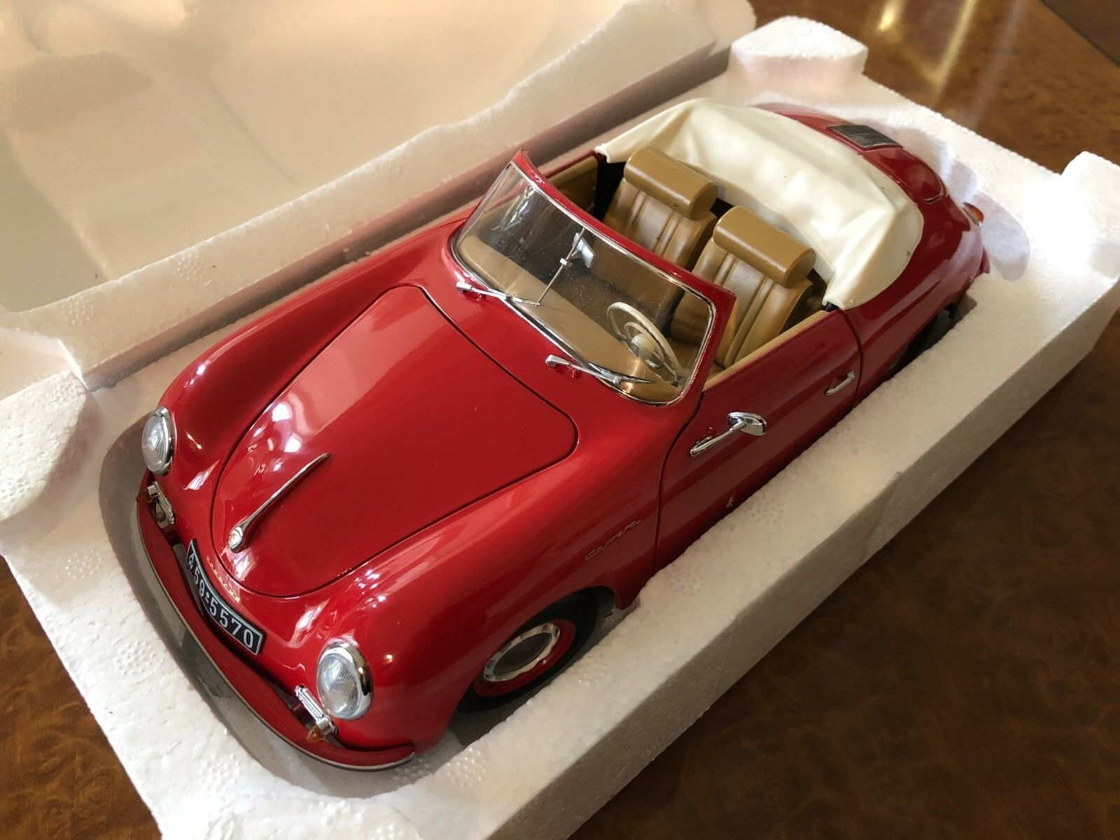 Schuco   1:18   1955 Porsche 356 A Cabriolet   Finished in rosso     SHU00310
