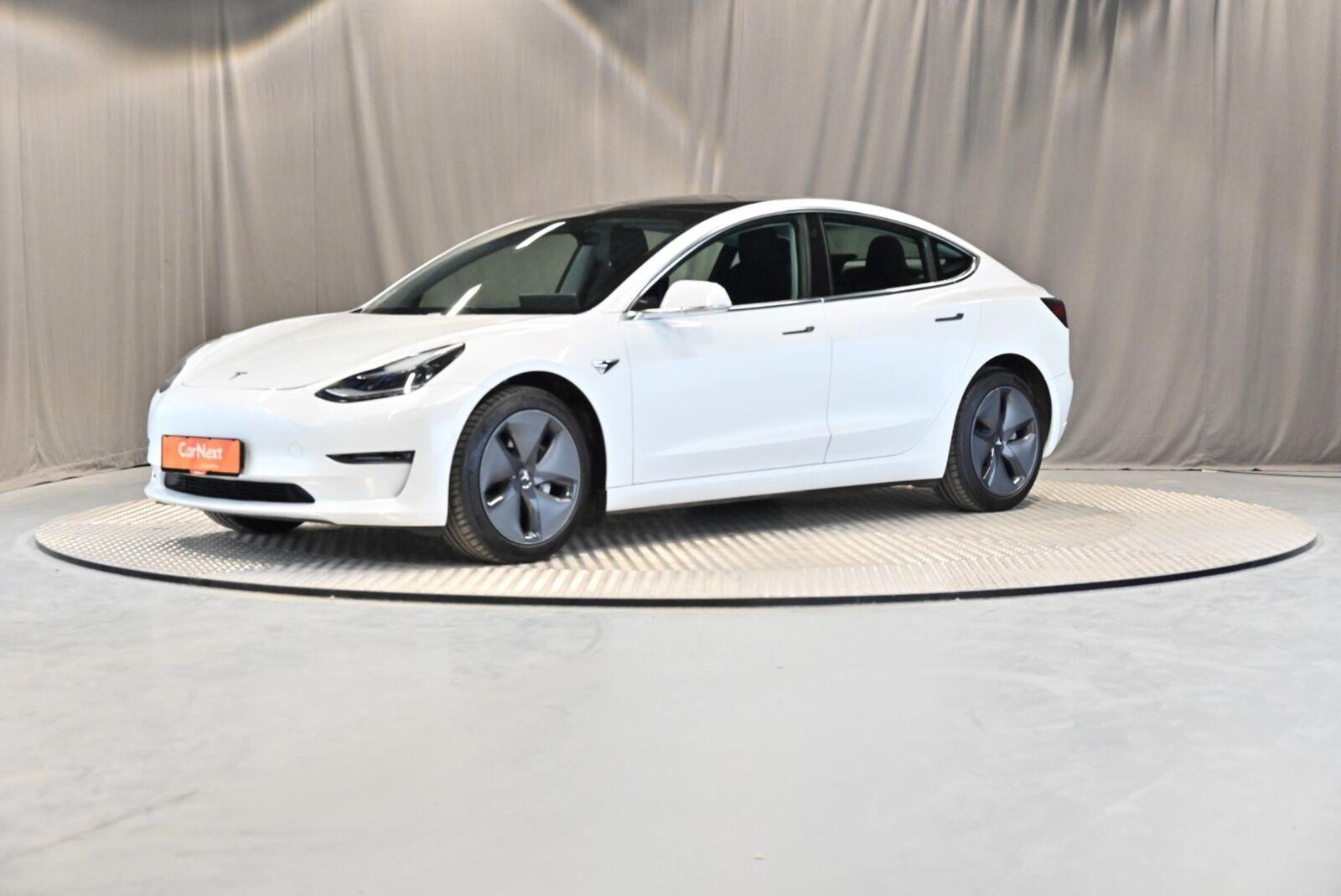 Tesla Model 3  Long Range AWD 4d