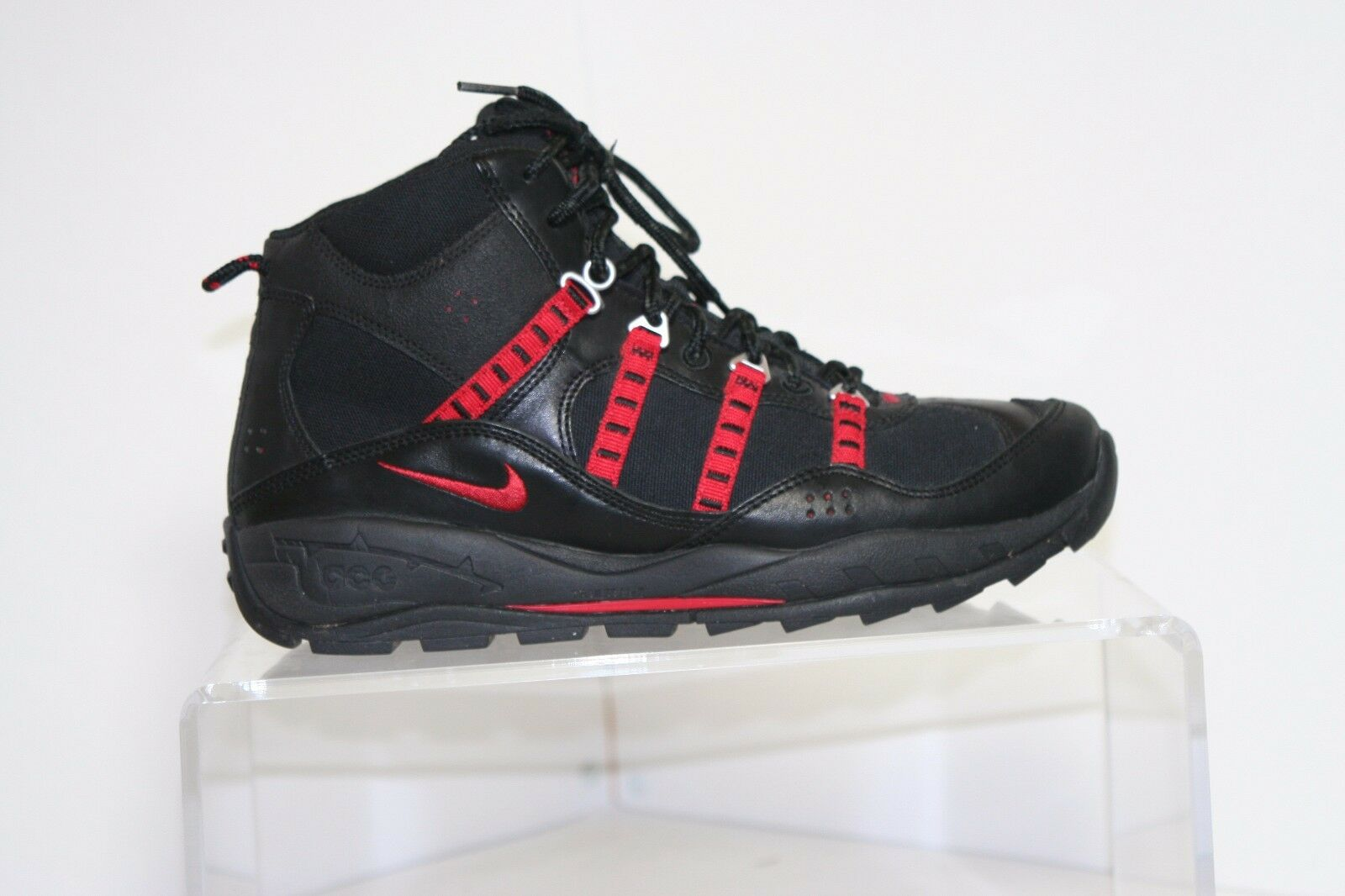 Nike ACG Mada 2k Hiking Trail Boot Sneaker '11 Men 8.5 Multi Black Red Athletic